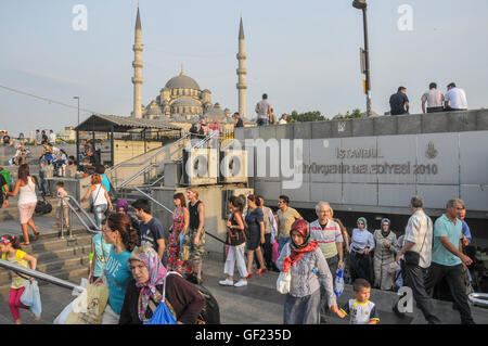 The New Mosque (Yeni Cami) seen from the  Golden Horn waterfront in Eminönü. - Stock Image