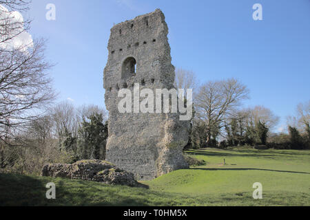 ruins of the old castle in the small sussex village of bramber west sussex - Stock Image