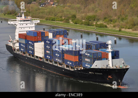 Containervessel Mito Strait - Stock Image