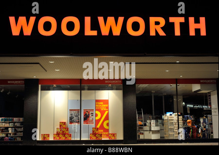 woolworth neon sign woolies department store closed credit crunch out of business - Stock Image