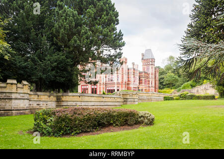 Saltwell Towers in Saltwell Park, Gateshead, Tyne and Wear. The mansion, sited in the then Saltwellside estate, was begun in 1856.  completed in 1871. - Stock Image