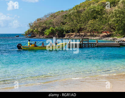 Water Taxi. Pigeon Island, Rodney Bay, Gros Islet, Saint Lucia, Caribbean. - Stock Image