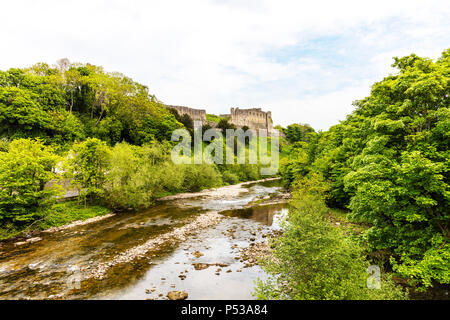 River Swale Yorkshire, River Swale Richmond Yorkshire UK, Richmond Castle overlooking river Swale, River Swale Richmond Town Yorkshire rivers, - Stock Image