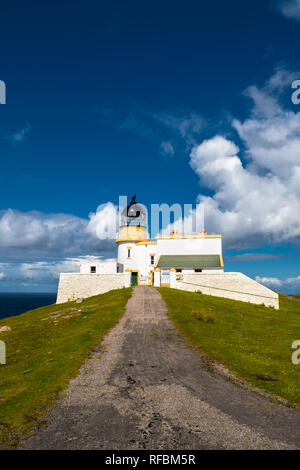 Stoer Head Lighthouse At The Atlantic Coast Near Lochinver In Scotland - Stock Image