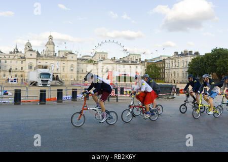 Cyclists racing past Horse Guards Parade, Brompton World Championships 2018, London, UK - Stock Image
