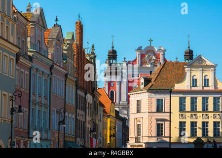 Wielkopolska Poland city, view of colorful baroque gabled buildings in the Market Square in Poznan Old Town, Poland. - Stock Image