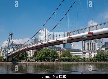 The Holbeinsteg pedestrain footbridge crosses the river Main, Frankfurt am Main, Hesse, Darmstadt, Germany - Stock Image