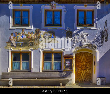 DE - BAVARIA: Traditional house in the Obermarkt at Mittenwald - Stock Image