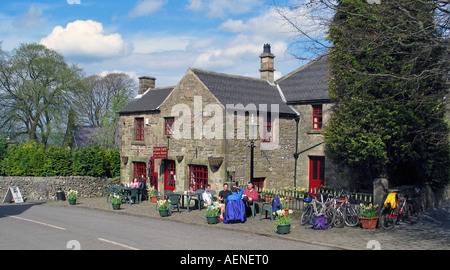 Group of friends having a tea break during bike riding the High Peak Trail, Peak District, Derbyshire, Great Britain - Stock Image