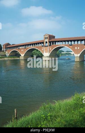 The Ponte Coperto ('covered bridge') over the Ticino River in Pavia, Lombardy region, Italy. - Stock Image