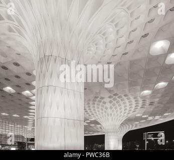 Duotoned architectural detail of a pillar in Mumbai International Airport, Chhatrapati Shivaji International Airport Terminal 2, which was designed wi - Stock Image