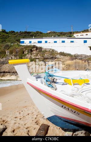 Portugal, Algarve, Benagil, Beach, Boat & Cliffs - Stock Image