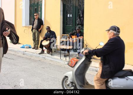 Street musicians in Monastiraki, Athens - Stock Image