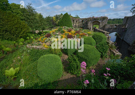 leeds castle gardens  barbican - Stock Image