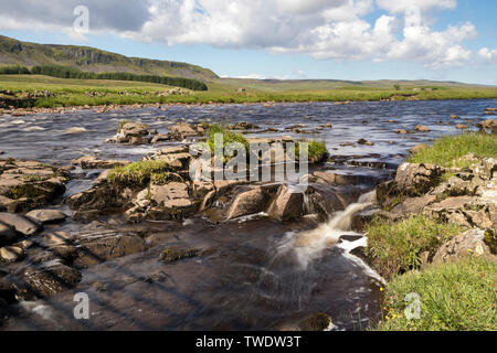 The River Tees and Cronkley Fell from the Pennine Way at Cronkley Bridge, Forest-in-Teesdale, County Durham, UK - Stock Image