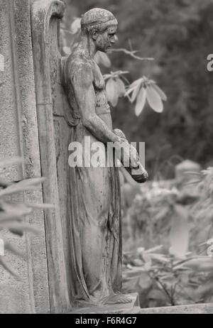 Standing Angel - Graveyard Tomb Sculpture - Stock Image