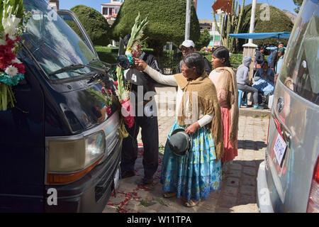 Automobile blessing, a unique ritual at the Basílica de Nuestra Señora in Copacabana, Bolivia - Stock Image