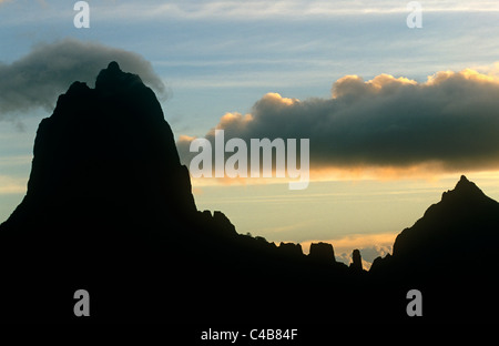 French Polynesia, Society Islands, Leeward Islands, Moorea (aka Aimeho).  A view of the rugged and at places sheer - Stock Image