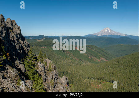 Three of the Cascade Range's stratovolcanoes are visible from this spot near the top of High Rock - Stock Image