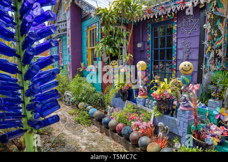 Colorful psychedelic Whimzeyland or the Bowling Ball House in Safety Harbor Florida - Stock Image