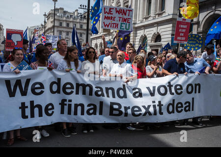 London, UK. 23 June 2018.Anti-Brexit march and rally for a People's Vote in Central London. Head of the parade with Gina Miller and Sir Tony Robinson in Pall Mall. - Stock Image