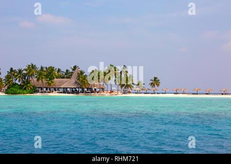 Maldives Islands - the beach, Veligandu island, Rasdhoo atoll, the Maldives Asia - Stock Image
