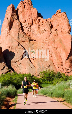 Runners, spectators and volunteers participating in the 39th annual running of the Garden of the Gods Ten Mile Run - Stock Image