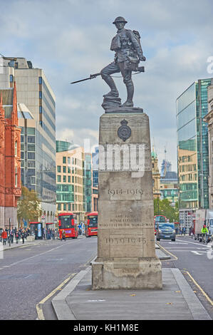 The war memorial to the London Fusiliers killed during the Great War stands in the centre of the road in Holborn, - Stock Image