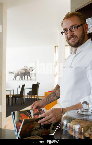South Africa. Western Cape. Cape Peninsula. Mandatory credit: Bantry Bay. 52 De Wet Bead and breakfast's manager - Stock Image