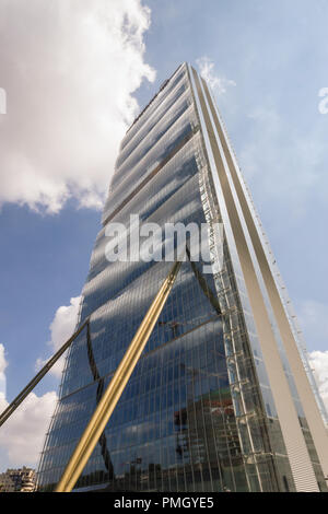 """Allianz Tower, AKA """"The Dritto"""" skycraper high-rise building, designed in the CityLife district. Milan, Italy, by Japanese star architect Arata Isozak - Stock Image"""