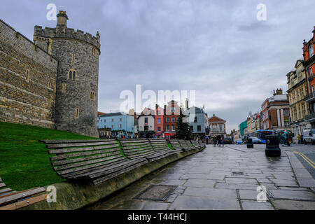 16 December 2018, Windsor, UK - A view of Windsor Castle towards Castle Hill, Windsor, UK - Stock Image