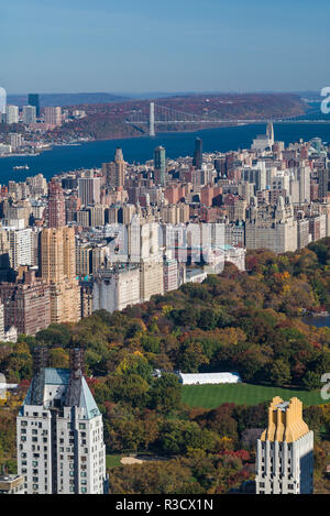 USA, New York City, Midtown Manhattan, elevated view of Central Park, morning - Stock Image