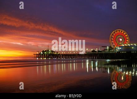 Santa Monica Pier California, CA, USA, US Pacific Park Ferris Wheel, amusement park, shops, entertainers arcade, - Stock Image