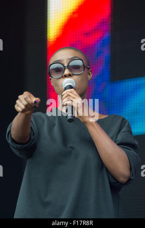 Portsmouth, UK. 29th August 2015. Victorious Festival - Saturday. Laura Mvula performs on the main, Common Stage, - Stock Image