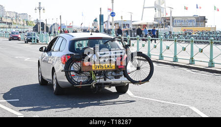 Brighton, UK. 24th March 2019. This entrant gets a lift to the finish in Brighton of the 80th Anniversary Pioneer Run for pre 2015 veteran motorcycles . The run organised by the Sunbeam Motor Cycle Club begins on the Epsom Downs in Surrey and finishes on Madeira Drive on Brighton seafront Credit: Simon Dack/Alamy Live News - Stock Image