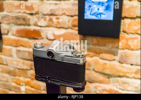 Zenit B camera exhibit, European Solidarity Centre museum, Plac Solidarności, Gdańsk, Poland - Stock Image