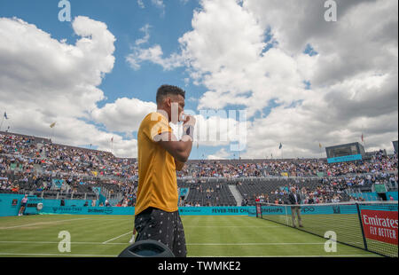 The Queens Club, London, UK. 21st June 2019. Day 5 of The Fever Tree Championships. Felix Auger Aliassime (CAN) on centre court for his match against Stefanos Tsitsipas (GRE). Credit: Malcolm Park/Alamy Live News. - Stock Image