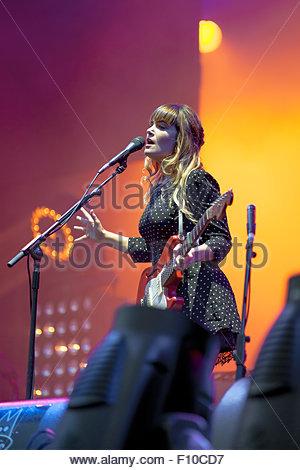 Angus & Julia Stone performing live - Stock Image