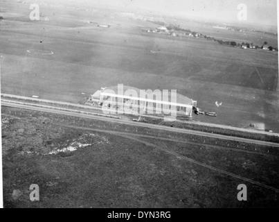 AL009B 338 Hicksville Aviation Country Club, Hicksville, NY - Stock Image