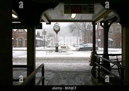 Early winter snowstorm hits Scarsdale, NY, USA - Stock Image