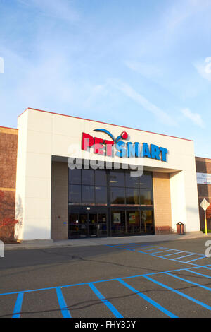 Pet Smart Store Front - Stock Image