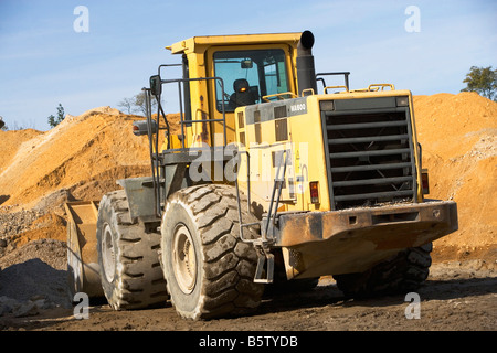 CONSTRUCTION, CONSTRUCTION EQUIPMENT, NEW, FOR SALE, BUY, EQUIPMENT SALES, BULL DOZER, HEAVY EQUIPMENT, WHEELS, - Stock Image