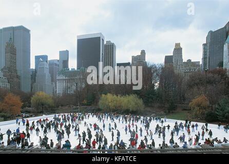 United States Of America New York New York Manhattan Central Park Ice Rink - Stock Image
