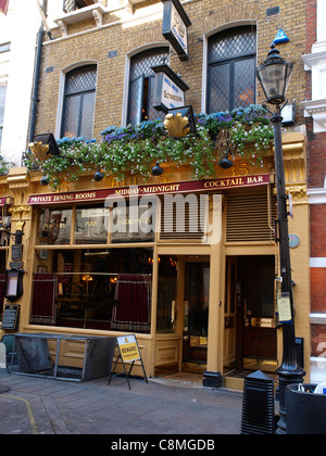 Established by Thomas Rule in 1798, Rules the oldest restaurant in London - Stock Image