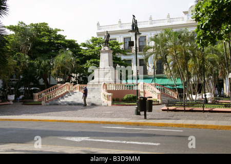 Statue of General Manuel Cepeda Peraza with Gran Hotel in Background, Merida, Yucatan Peninsular, Mexico - Stock Image