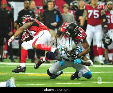 Atlanta, Georgia, USA. 27th Dec, 2015. Atlanta Falcons RB Devonta Freeman (#24) Roddy White (#84) and Carolina Panthers - Stock Image