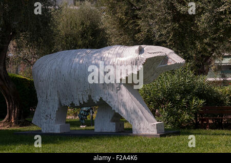 Large Polar Bear sculpture in Roquebrune Park, France - Stock Image