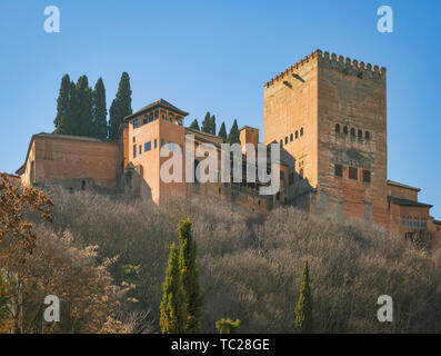 Looking up from the Darro to the Alhambra, Granada, Granada Province, Andalusia, southern Spain.  The Alhambra, Generalife and Albayzin are designated - Stock Image
