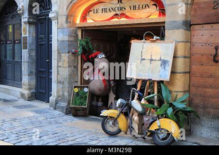 Street scene in old city of Lyon, France - Stock Image