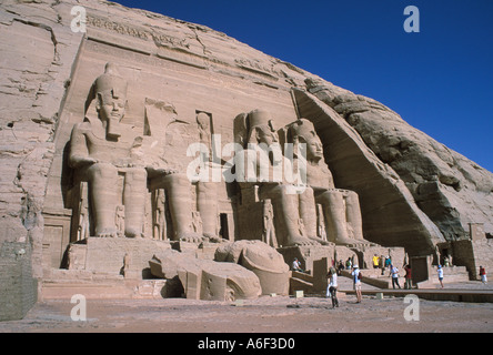 Egypt. Abu Simbel. Greater Temple (Sun Temple). Statues of Ramesses II, Queen Nefertari and family. - Stock Image
